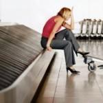 Пассажир уснул на ленте выдачи багажа в Домодедово