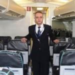 Родившийся в самолете мужчина устроился работать бортпроводником