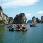 Куа Ван — рыбацкая деревня в бухте Халонг, Вьетнам