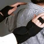 У сотрудников Домодедово появились перчатки с металлодетектором
