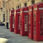 Красные телефонные будки оснастят зарядками и Wi-Fi в Лондоне
