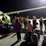 Украинские туристы самостоятельно загружали багаж в аэропорту Египта