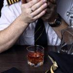 В самолетах могут полностью запретить алкоголь