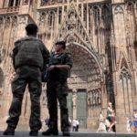 Около 900 туристов оказались заблокированы вСоборе Парижской Богоматери