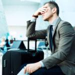 Роспотребнадзор: что вправе требовать турист отавиакомпании при задержке рейса