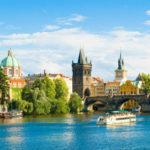 Прага иСимферополь демонстрируют максимальный рост туристического спроса напредстоящее лето